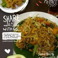 Photo taken at QUA-LI Noodle & Rice by Hwi Swan C. on 8/2/2014