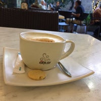 Photo taken at de`EXCELSO by Roy I. on 9/18/2016