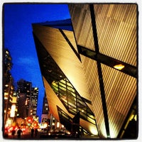 Photo taken at Royal Ontario Museum by Billy H. on 9/25/2012