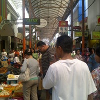 Photo taken at Pasar Baru (Passer Baroe) by Shareena A. on 9/16/2012