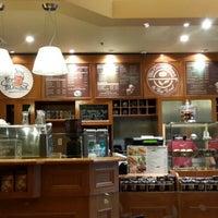 Photo taken at The Coffee Bean & Tea Leaf @ Metropolitan by Haris S. on 6/11/2013
