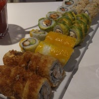 Photo taken at Niu Sushi by Jacobo A. on 4/21/2013