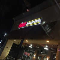 Photo taken at The Habit Burger Grill by Voltaire V. on 8/20/2016