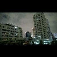 Photo taken at Sawardee Hotel - Sukhumvit by Palm S. on 6/5/2014