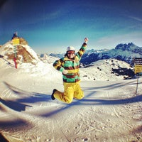 Photo taken at Le Yeti Avoriaz by Rory C. on 1/8/2013