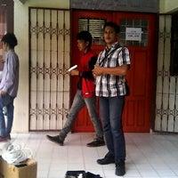 Photo taken at Fakultas Ekonomi Universitas Tadulako by Damar F. on 4/17/2014