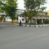 Photo taken at Universitas Jenderal Achmad Yani (UNJANI) by Muthi M. on 8/22/2016