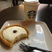 Photo taken at Starbucks by Constanza R. on 5/7/2012