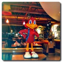 Photo taken at Red Robin Gourmet Burgers by Tonya H. on 7/2/2012
