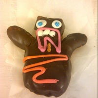Photo taken at Voodoo Doughnut Tres by Myriam A. on 9/1/2012