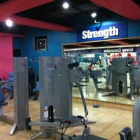 Photo taken at Fitness First by Ju  L. on 10/14/2012