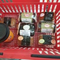Photo taken at 7-Eleven by Oishii M. on 8/20/2015