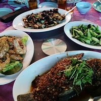 Photo taken at Restoran Masakan Sedap by Bee Ilyas on 11/9/2013