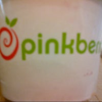 Photo taken at Pinkberry by Corinne P. on 12/21/2012