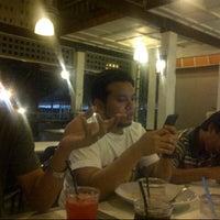 Photo taken at Restoran Kedai Kopi by Azlan L. on 7/27/2013