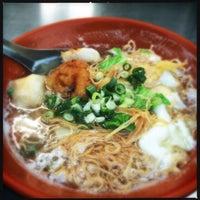 Photo taken at Noodles by Tu I. on 5/7/2015