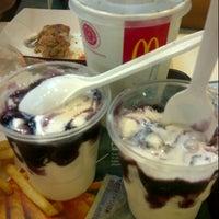 Photo taken at McDonald's by Yuliana E. on 1/12/2013