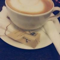 Photo taken at Kedai Kopi Espresso Bar by Kartika T. on 4/8/2014