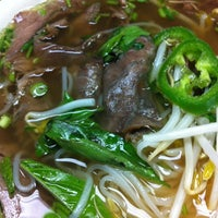 Photo taken at Pho Ca Dao by Sarlita on 10/27/2012