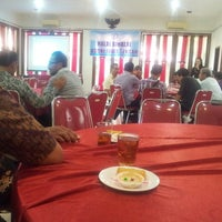 Photo taken at Che-es Resto by Eni S. on 8/21/2014