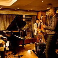 Photo taken at The Jazz Room at The Kitano by あおやまひろ on 6/13/2016