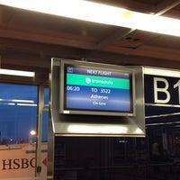 Photo taken at Gate B11 by Ραυλινε . on 6/22/2015