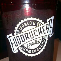Photo taken at Fuddruckers by Rafael S. on 1/27/2013