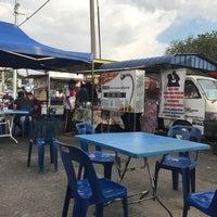 Photo taken at Pak Wan Roti Canai by FarooqFairuz's on 1/16/2017