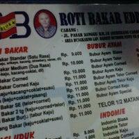 Photo taken at Roti Bakar Eddy by Septawisnu P. on 3/8/2013