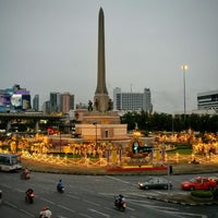 Photo taken at Victory Monument by PAOangkub on 7/28/2013