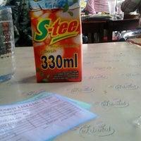 Photo taken at Foodspot 5mu (LimaMu) by Aulia N. on 2/19/2014