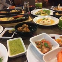 Photo taken at Oishi Buffet by Ann'patcharaporn P. on 12/7/2016