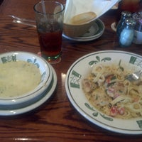 Photo taken at Olive Garden by Willie B. on 4/10/2014