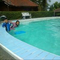 Photo taken at Swimming pool Hotel Seruni 2 by Maria C. on 11/16/2012