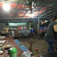 Photo taken at Sate Ayam Ibu Haji Mawi Madura by Yohan N. on 7/15/2013
