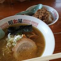 Photo taken at らーめん昭和屋 扇町店 by Jun O. on 3/21/2014