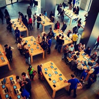 Photo taken at Apple Passeig de Gràcia by Roman G. on 5/10/2013