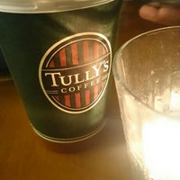 Photo taken at Tully's Coffee by 飛翔 村. on 1/9/2016