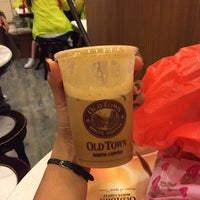 Photo taken at OldTown White Coffee by Wilwina B. on 7/4/2016