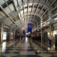 Photo taken at Gate B18 by Kumaresan P. on 11/21/2012