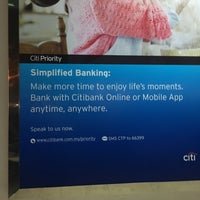 Photo taken at Citibank by Yong J. on 5/4/2016