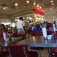 Photo taken at Johnny Rockets by Michi G. on 5/11/2014