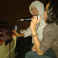 Photo taken at NAV Karaoke keluarga by Metha A. on 1/20/2014