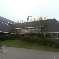 Photo taken at Van der Valk Hotel Assen by Ton M. on 4/23/2013