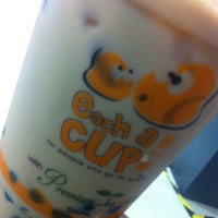 Photo taken at Each A Cup (各一杯) by mohdfaidzal on 5/13/2013
