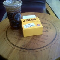 Photo taken at J.Co Donuts & Coffee by Dave loenzy R. on 7/28/2012
