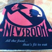 Photo taken at Newsroom Cafe by Calvenn S. on 3/24/2012