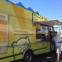 Photo taken at Nom Nom Truck by eeena d. on 9/7/2012