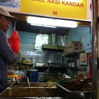 Photo taken at Zainul Nasi Kandar by Benjamin O. on 7/10/2012