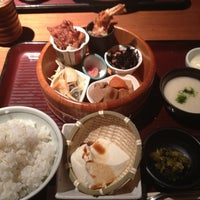 Photo taken at 赤坂うまや 博多店 by Masatoshi N. on 4/18/2012